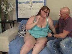 BBW taking load on her face